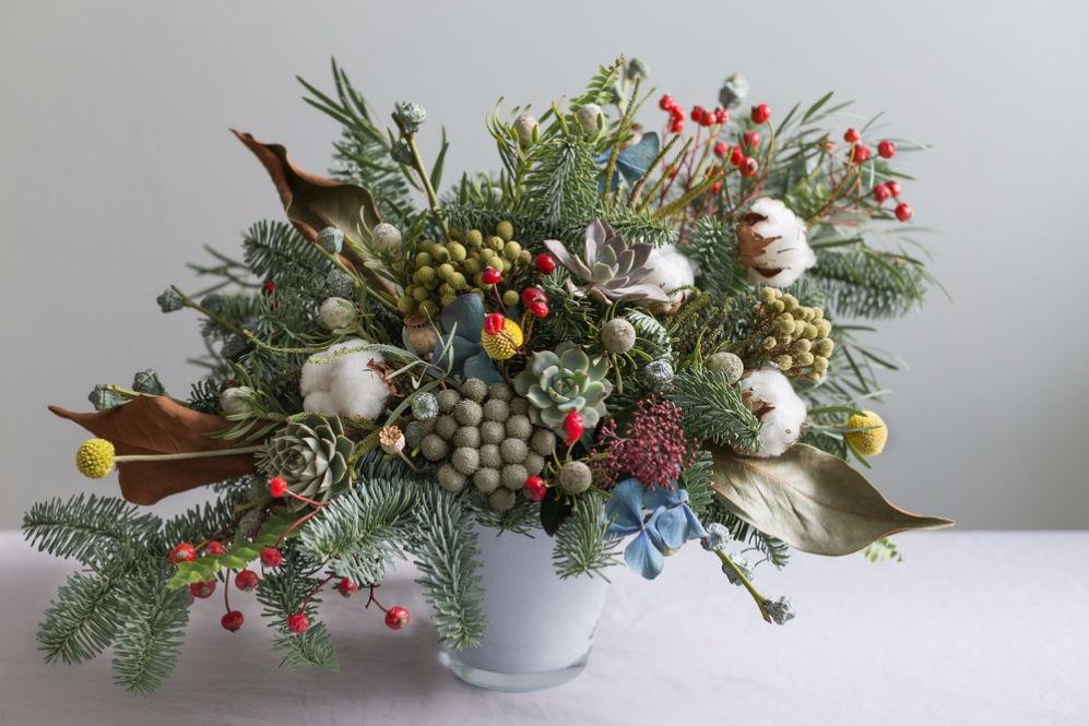Новогодние букеты от цветочной лавки «ПРОВАНС»